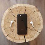 iPhoneの充電ケーブルを挿しても作動しない!修理方法や費用と期間をご紹介